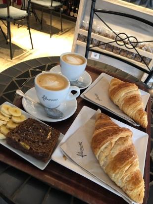 Ontbijten in het centrum van Palma.