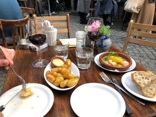 Tapas bij Taverna la Vaca.